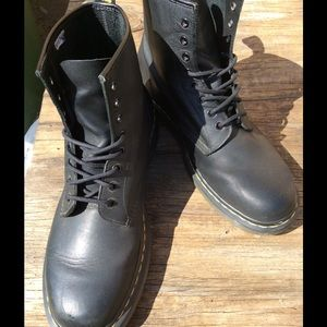 Doc Martens Shoes - Dr Martens Vintage 1460 (Men's)