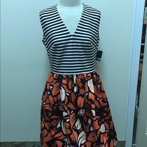 Just Taylor Dresses & Skirts - Just Taylor Striped Floral Dress, size 8
