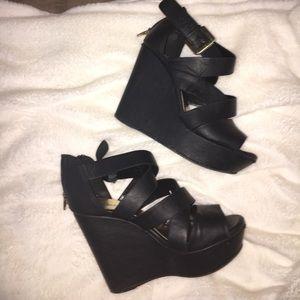 Soda Shoes - Black SODA platform wedges