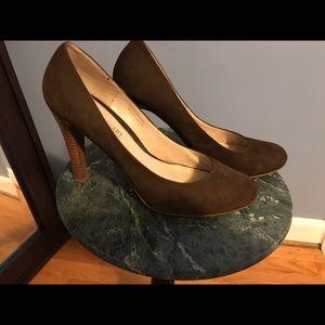 Colin Stuart Shoes - EUC- Colin Stuart Suede Pumps - size 10