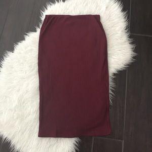 Women's maroon pencil skirt. Pencil skirt. Midi
