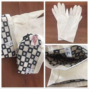 Accessories - 🎉2xHP!🎉Leather/silk Vintage Italian gloves, GUC!