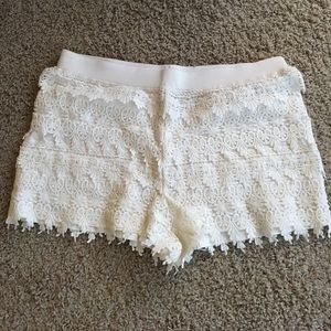 Express Pants - Express lace shorts