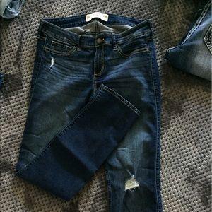 Hollister Denim - Distressed jeans