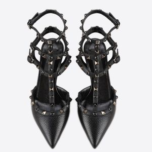 Valentino Shoes - 🎉🎈HP Valentino Rockstud Rolling Noir Ankle Strap