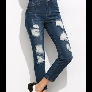 Denim - Blue ripped distressed cropped  jeans.