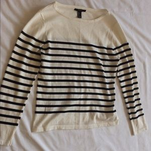 Forever 21 Sweaters - Forever 21 cropped sweater HOST PICK 4/26/17
