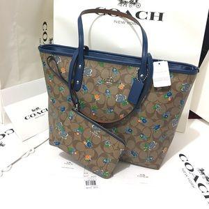 Coach Handbags - Coach set bag