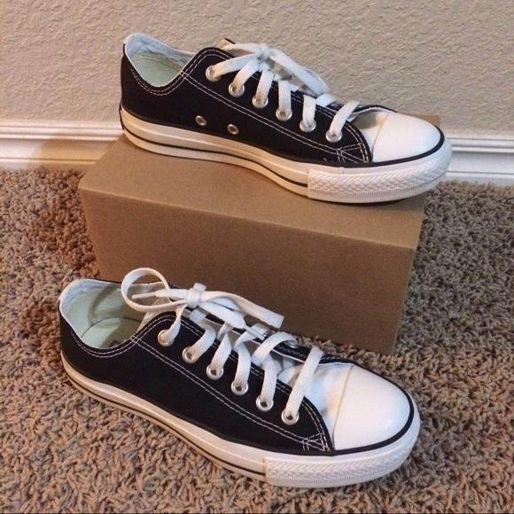 Converse Chuck Taylor black w white tongue shoes