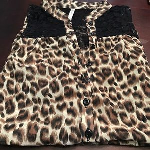 DNA Couture Tops - NWOT Women's leopard print tank top, size Large.
