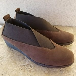 The Flexx Shoes - The Flexx Brown Suede Shoes Size 8.5 New