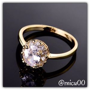 Boutique Jewelry - White Sapphire Stunning Cluster 18K Gold Ring!