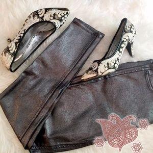 Shoes - ⚡️FLASH SALE ⚡️  Paisley lace Gold-Toed Heels