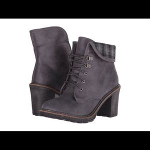 Shoes - Charcoal distressed