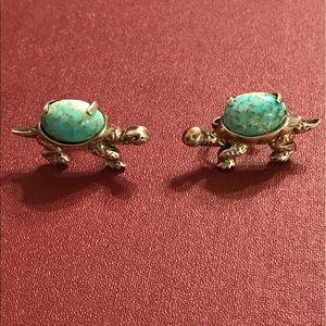 Jewelry - 🐢Vintage turtle screw back earrings🐢