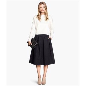 H&M Skirt Pleated Midi Size 6