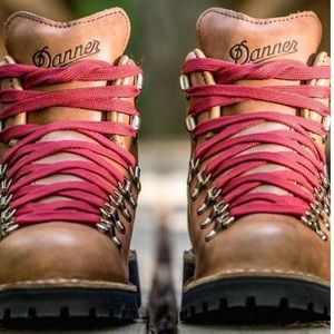 Danner Shoes - BNWT Danner Boots Cascade Mountain Light