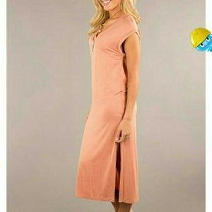 Dresses & Skirts - Salmon t-shirt dress- small