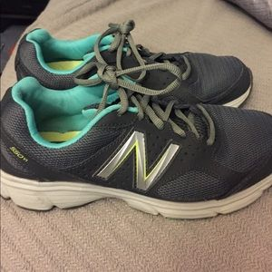 Sale! New Balance Womens Sneakers size 7