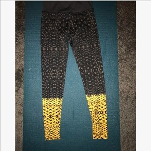 Onzie Patterned Yellow and Black Yoga Leggings