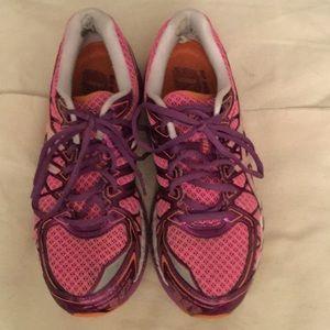 """Asics Shoes - ASICS """"Running shoe"""" SIZE 11,  EURO 43.5 EUC👟🌸"""