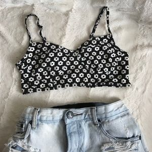Forever 21 Tops - BNWT CUTE FLORAL CROP TOP BUSTIER M/L BLACK WHITE