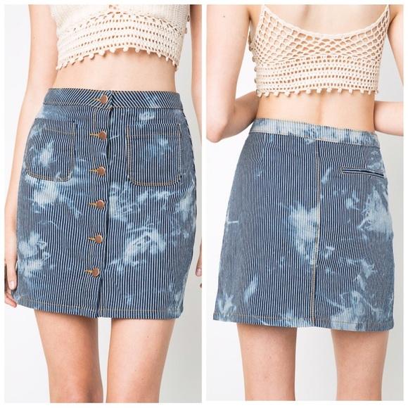 Dresses & Skirts - LAST 2 Gorgeous bleach wash denim skirt!