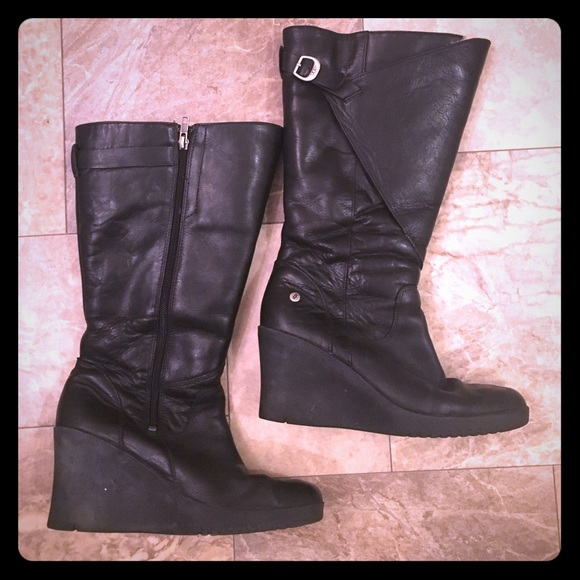 8405a75b9e9 Uggs Black Leather Maxine Wedge Moto Boots Fur