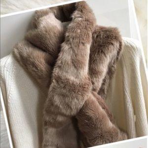 Accessories - Gourgous  fashion fur wrap