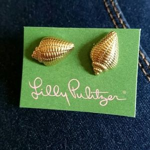 Lilly Pulitzer Jewelry - NEW LILLY PULITZER GOLD SHELL EARRINGS