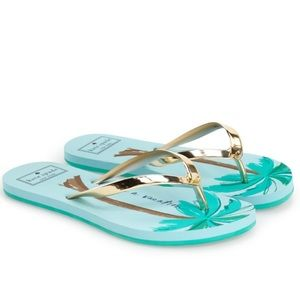 kate spade Shoes - Kate Spade Gold Need a Vacation Flip Flops 🌴