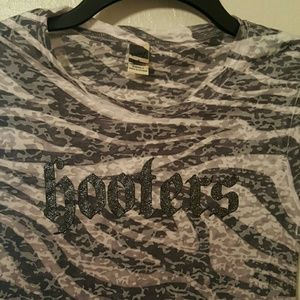 Tops - Hooters Camouflage Burn-out T-shirt Size Small