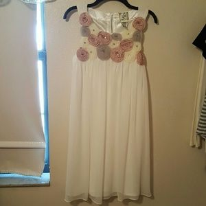 Ice Dresses & Skirts - Flowy Flower Embellished White Dress Size 10 NWOT