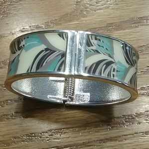 Jewelry - Light teal, cream and black bangle