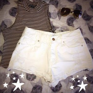 ☀️F21☀️ High Waisted White Distressed Shorts