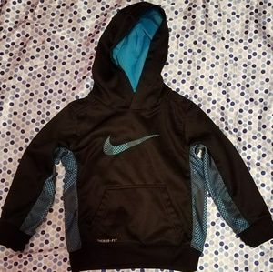 Nike Other - 👦BOYS NIKE THERMA-FIT HOODIE