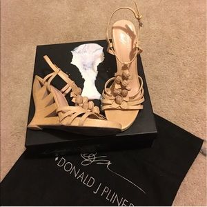 Donald J. Pliner Bambi wedge