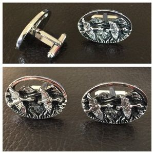 Other - MENS🚨Flying Geese Cuff Links
