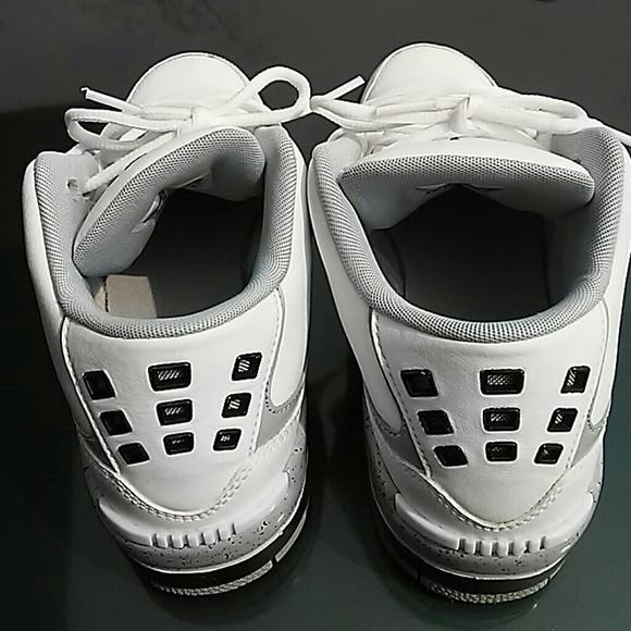 Jordan Shoes - Air jordan Grade school sneakers Big kid SZ 6Y