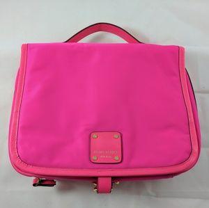 henri bendel Handbags - Henri Bendel Hot Pink Jetsetter Travel Makeup Case