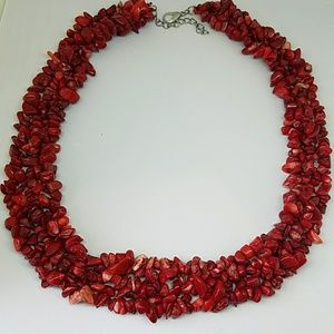 Red Coral triple strand necklace ⚘