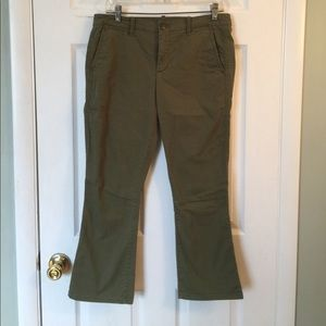 Pants ankle with rear flap pockets