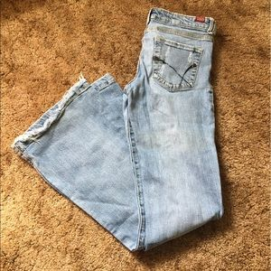 Vanity 27 x 33 Frayed Bottom Jeans GUC