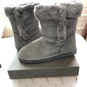 Lamo Shoes - Warm Lamo Suede Water Resistant Boots Size 11