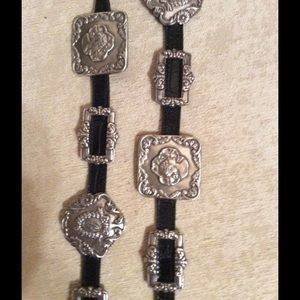 "Brighton Accessories - 🎉HP Simply Chic"". Brighton Silver/leather belt"