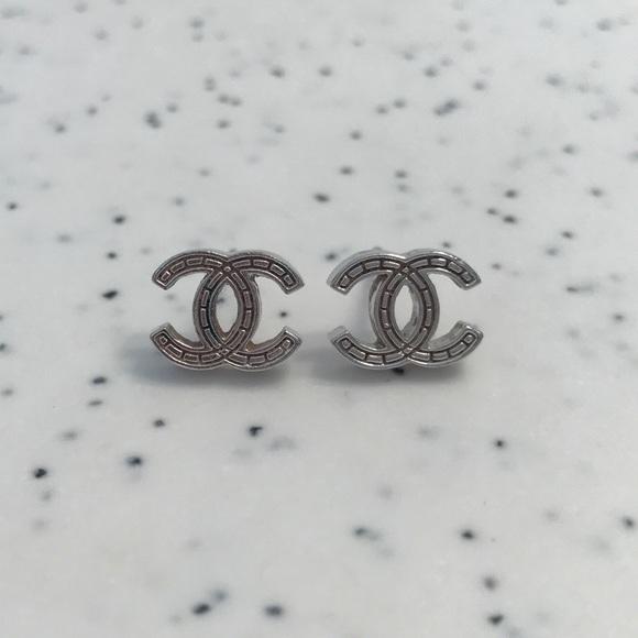6918fa7a1e291 Authentic Chanel Double C / CC Earrings