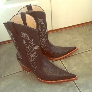 Tony Lama Shoes - Lagarto western with edge boots