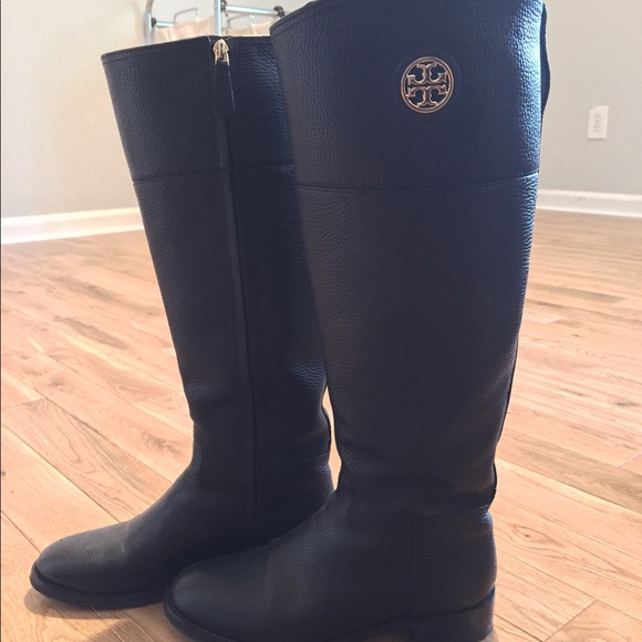 c05cf0040588 TORY BURCH JUNCTION RIDING BOOTS