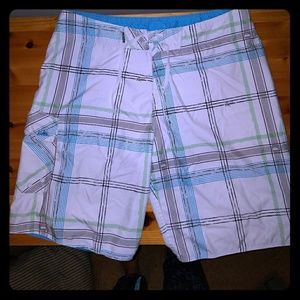 Quiksilver Other - NWOT Quicksilver boardshorts Mens Size 36