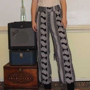 New Look Black And White Printed Palazzo Pants